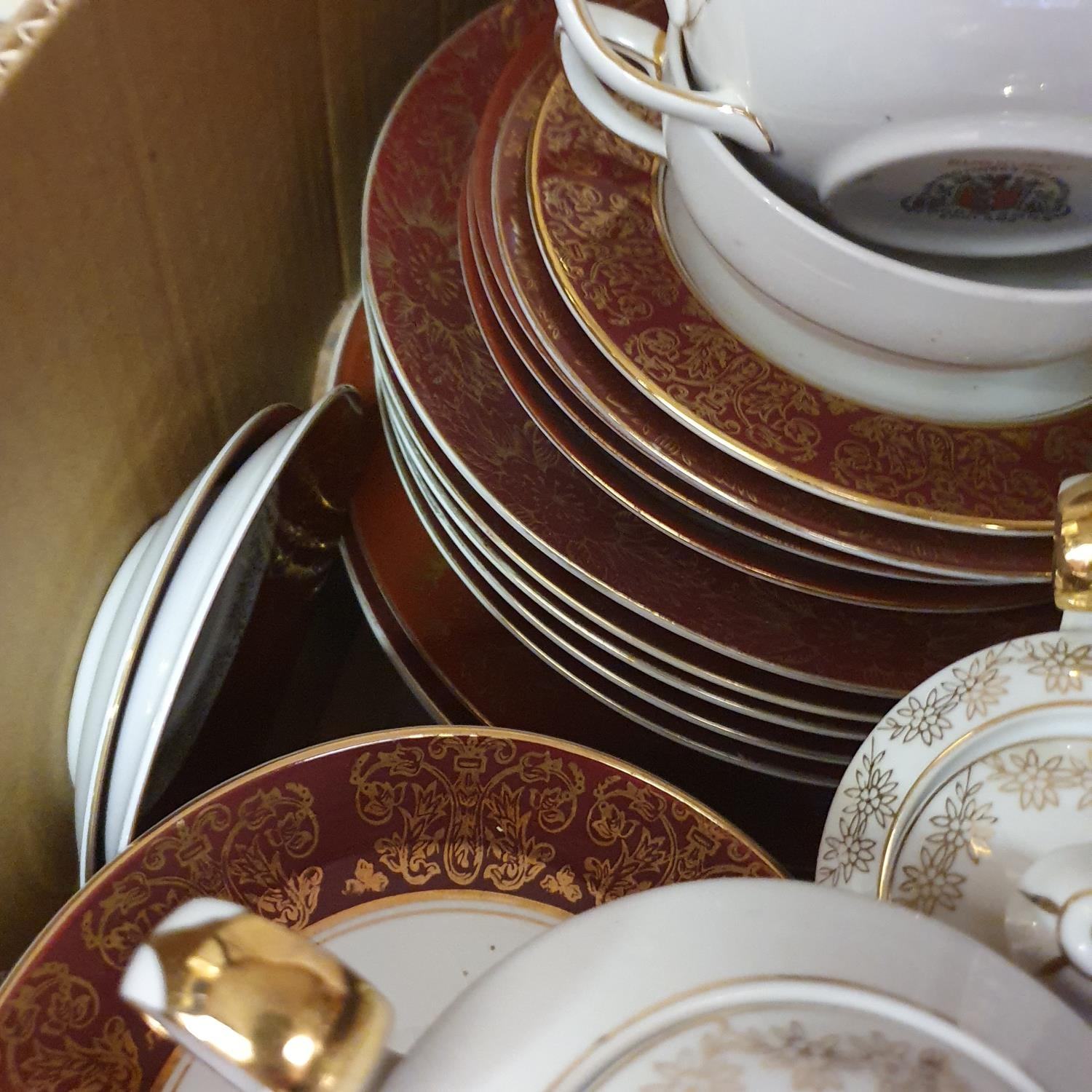 A pair of Staffordshire flat back spaniels, a Royal Doulton part dinner service, other ceramics - Image 13 of 15