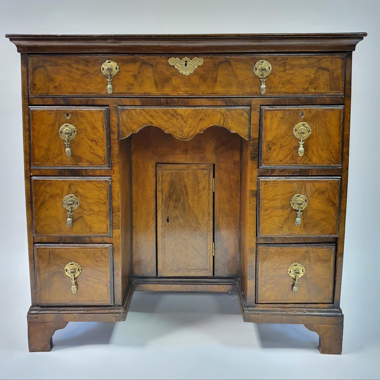 An 18th century style walnut kneehole desk, with herringbone crossbanding, having, having one long - Image 9 of 11