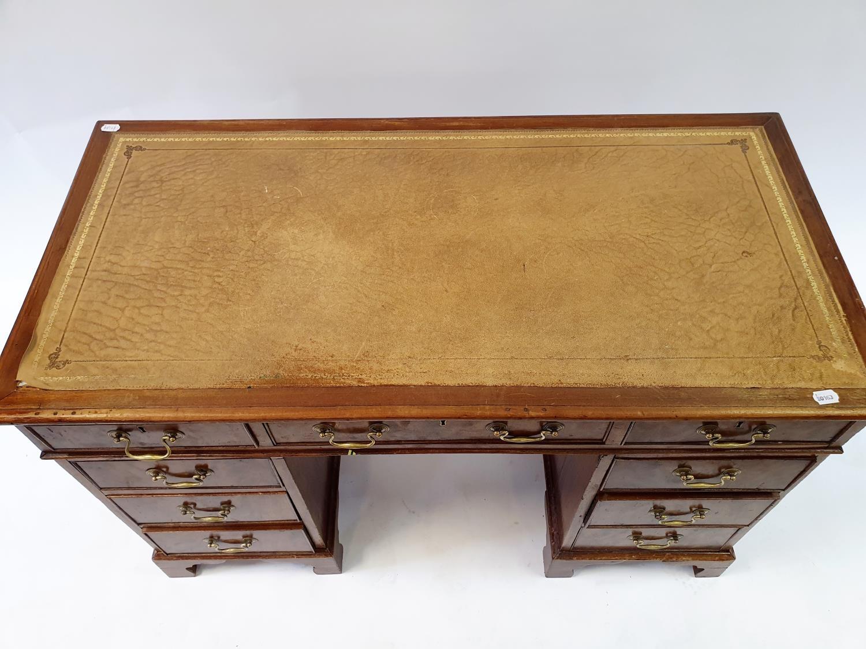 A mahogany pedestal desk, 120 cm wide - Image 2 of 3