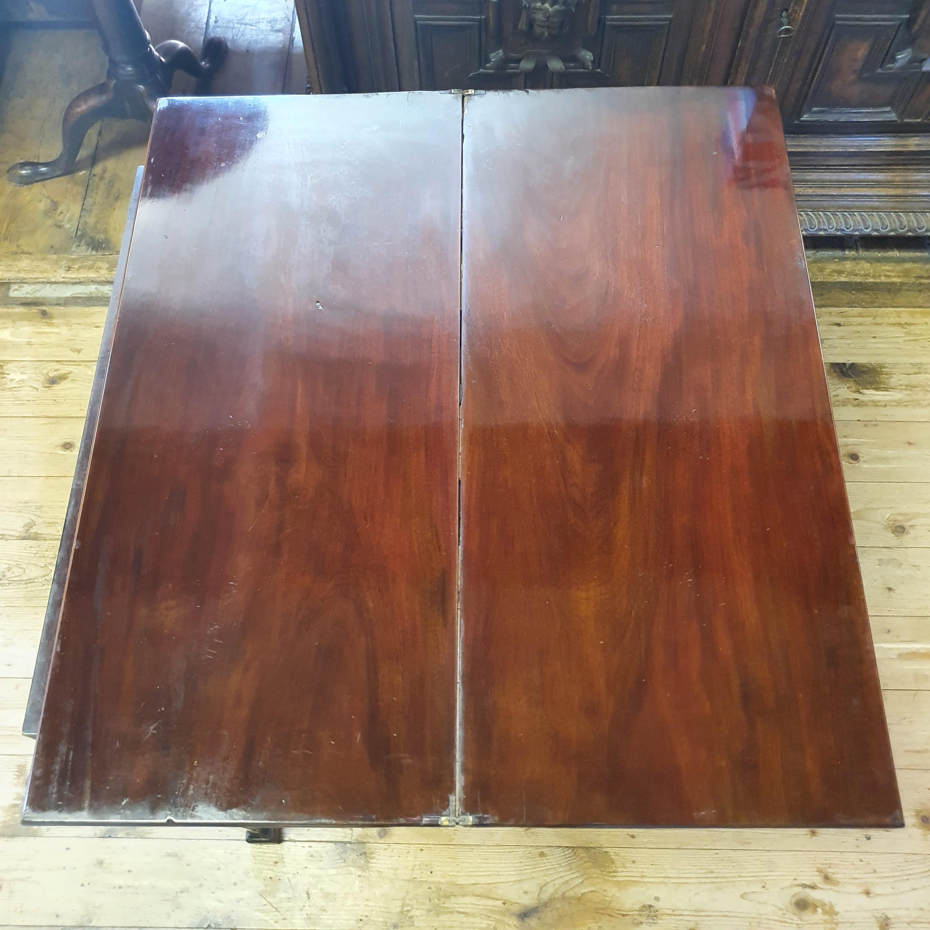 A 19th century mahogany tea table, 76 cm wide - Image 3 of 4