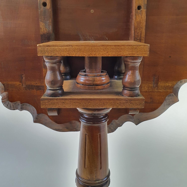 A mahogany tilt top tripod table, 70 cm wide - Image 3 of 4