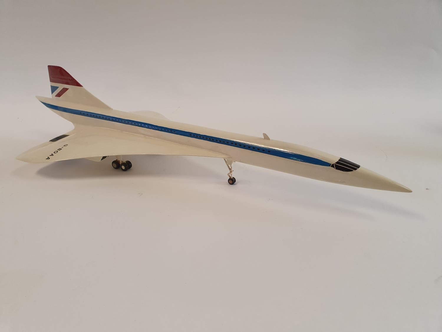 A model of a Concorde, 63 cm wide 62.5 cm nose to tail - Image 2 of 5