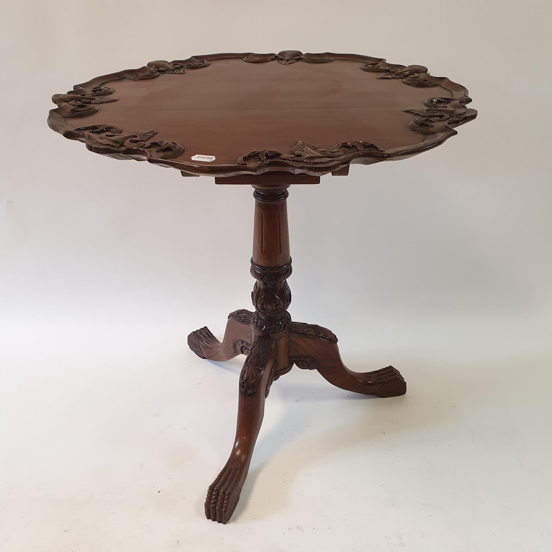 A mahogany tilt top tripod table, 70 cm wide - Image 4 of 4