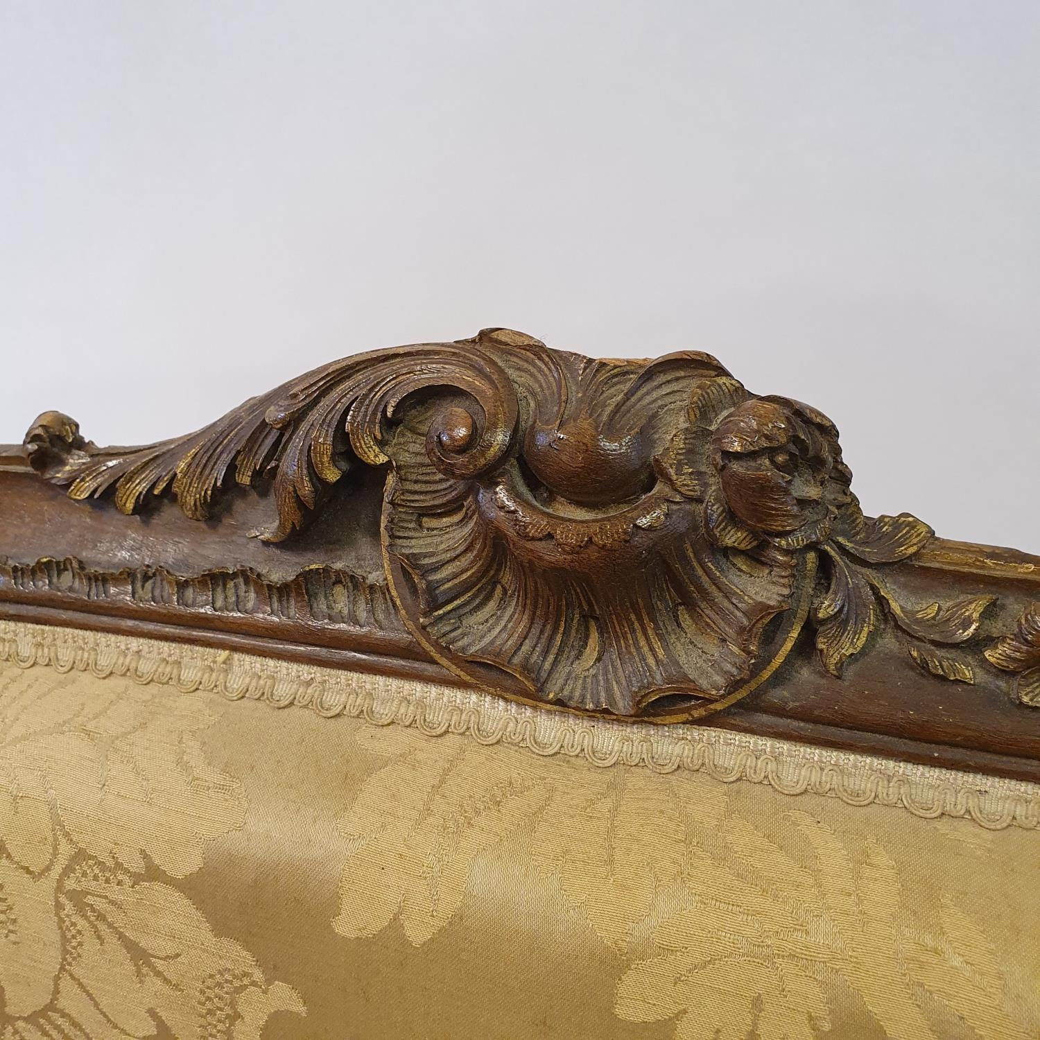 A Continental walnut settee, 130 cm wide - Image 3 of 4