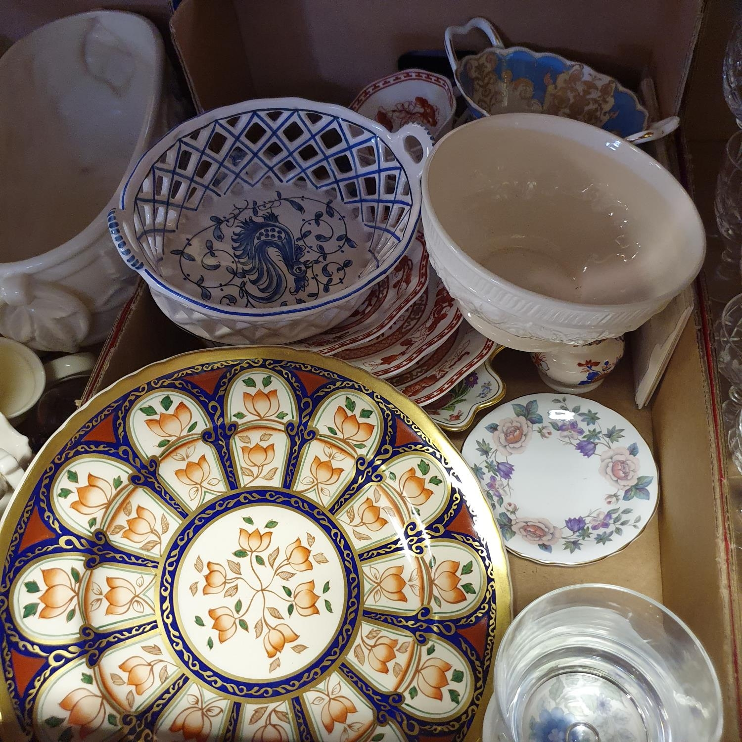 A pair of jugs, decorated phoenix, other ceramics and glass (4 boxes) - Image 8 of 11