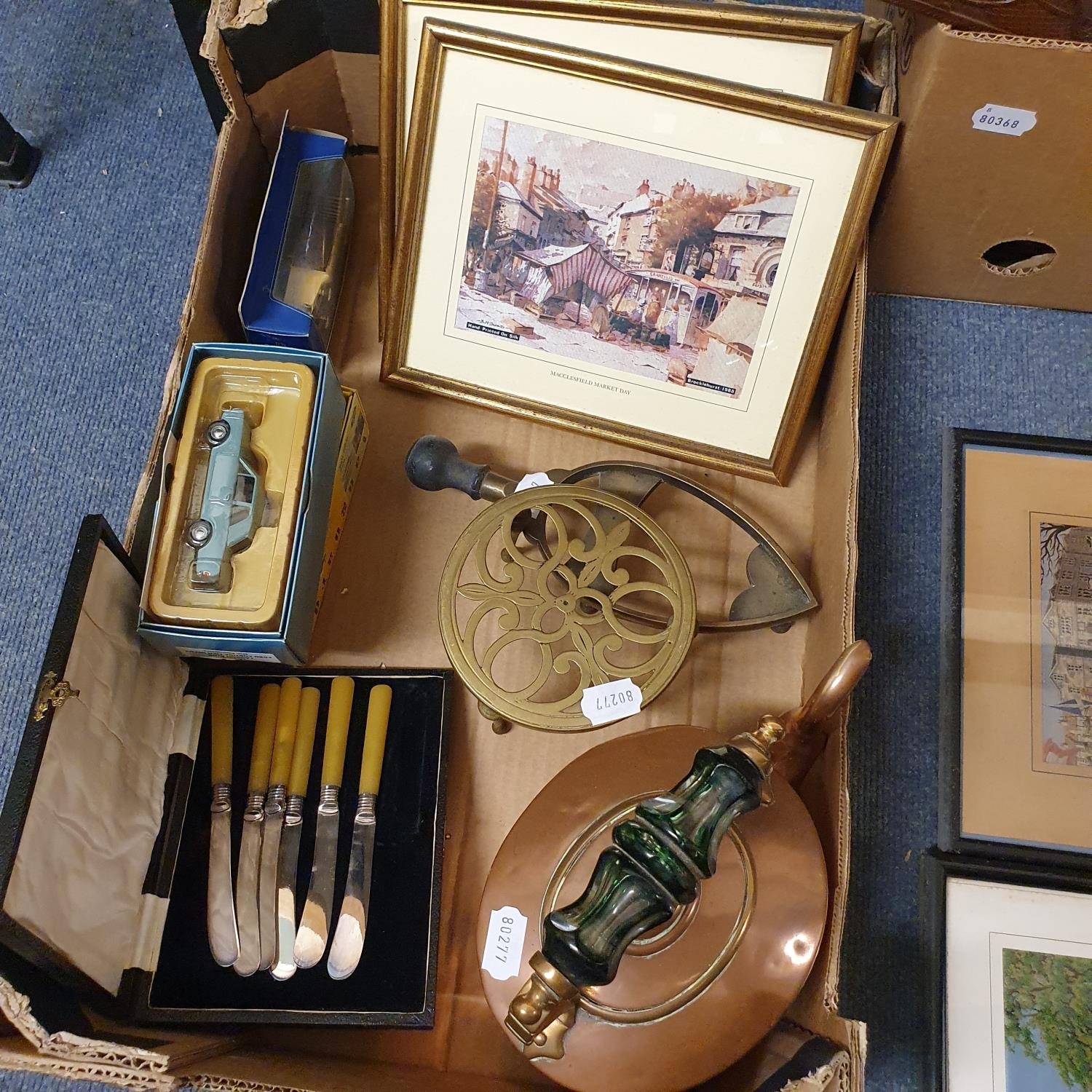 A copper kettle, two Prattware pot lids and various other items (box) - Image 2 of 3