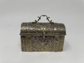 Dutch silver casket, 7.5 cm wide Marks rubbed