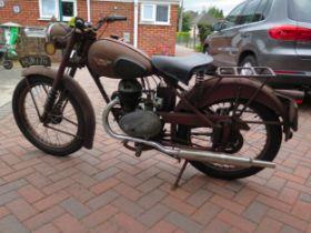1952 James Captain de luxe Registration number HUN 776 Frame number AS 001097 Engine number 230?