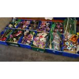 1000+ PIECE MIXED CAR LOT CONTAINING PAINT BRUSHES, CIGARETTE LIGHTER PLUG, CAR AIRIALS AND AIR