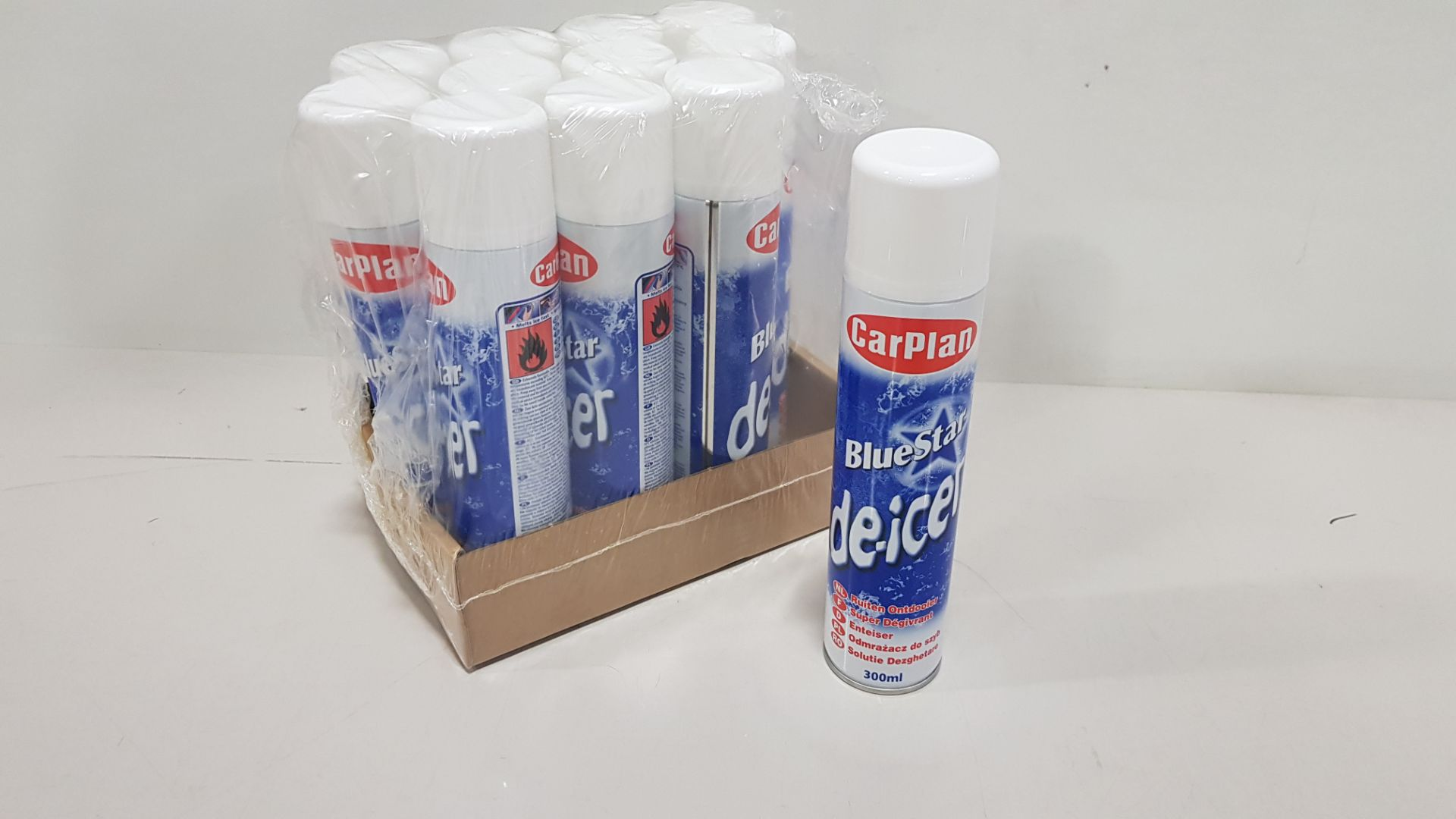 132 X BLUESTAR DE-ICER IN 11 PACKS 300ML