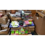 APPROX 1000+ PIECE OF EDUCATION EQUIPMENT ON A PALLET IE SMARTPHONE ROBOT, WATERING JUGS, WICKER