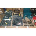 MIXED TOOL LOT CONTAINING BOSCH HAMMER DRILL WITH 2 BATTERIES MULTIPLE DRILL ACCESSORIES AND A