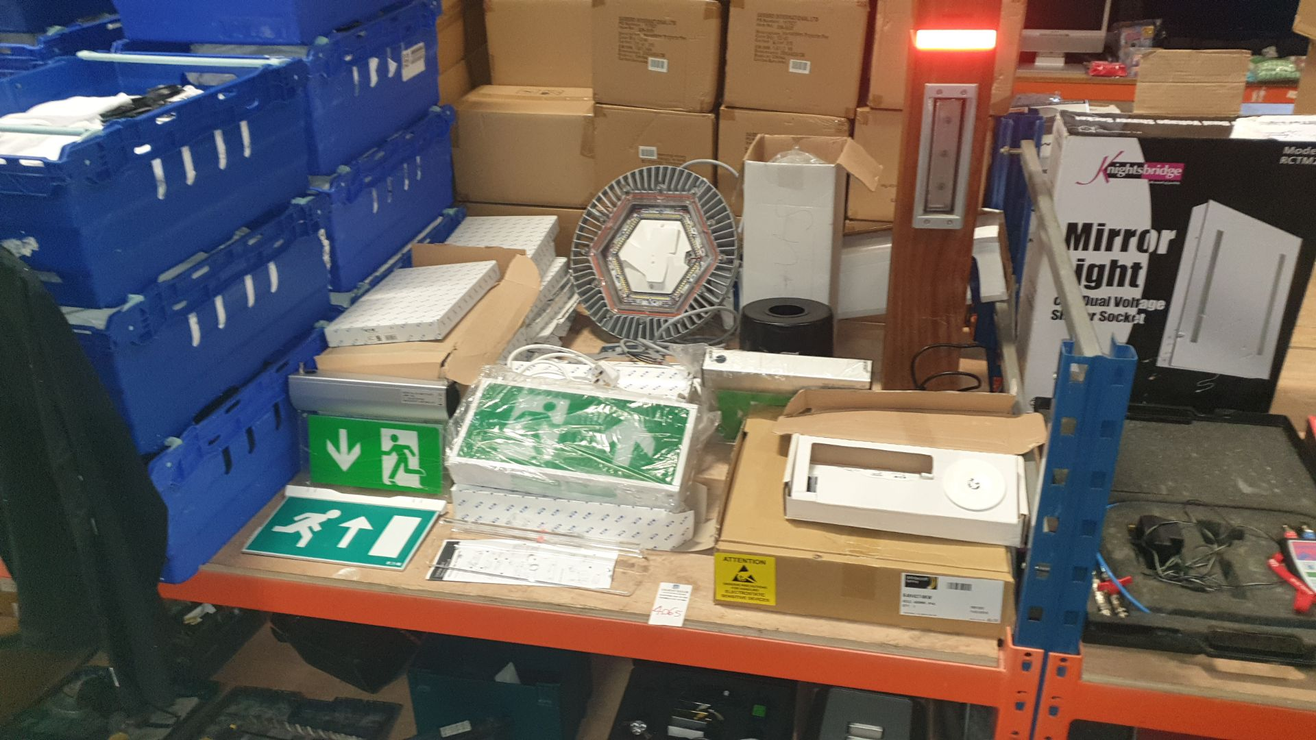 APPROX 40 + PIECE MIXED LOT CONTAINING A LARGE QUANTITY OF EATON FIRE EXIT SIGNS, WHITECROFT FIRE