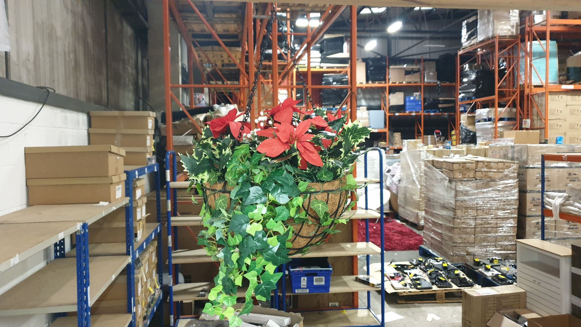 13 X BRAND NEW BOXED HANGING BASKETS - IN 13 BOXES