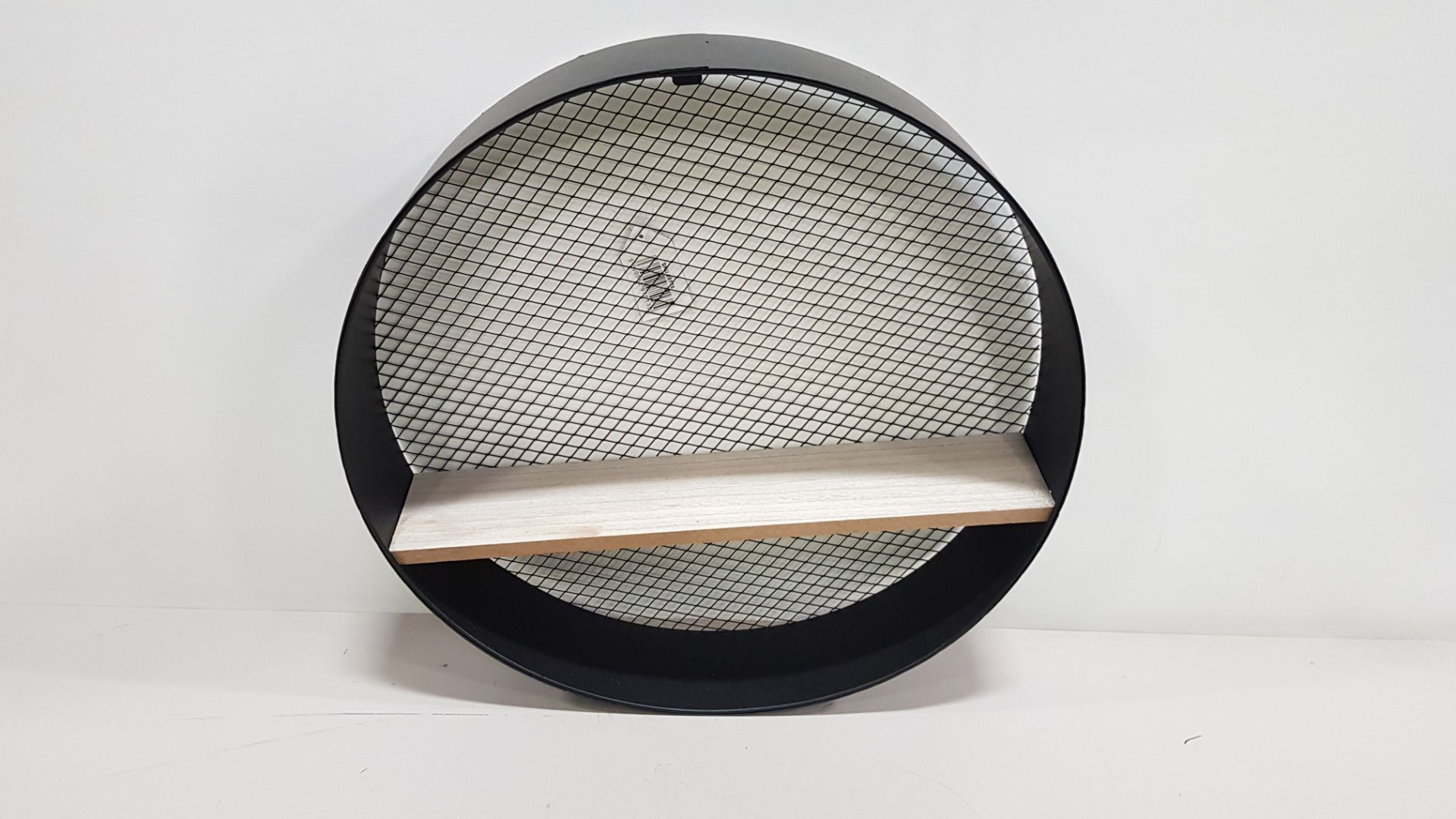 24 X BRAND NEW ROUND MESH INDUSTRIAL STYLED SHELF