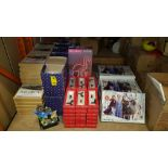 120+ MIXED TOY LOT CONTAINING FROZEN 2 ADVENT CALENDERS, FLAMINGO DECORATIVE LIGHTING AND