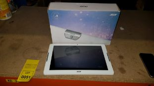 1 X LIKE NEW ACER ICONIA ONE 10