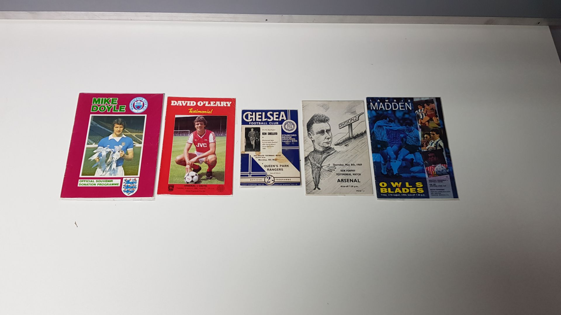 5 X OTHER PROGRAMMES IN VERY GOOD CONDITION TO INCLUDE - MIKE DOYLE DONATION PROGRAMME/OWLS VS - Image 2 of 2