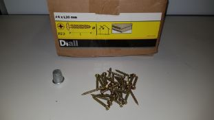 APPROX 32,375 X BRAND NEW WOOD SCREW PAN YZP 4 X 30 LOOSE IN 20 BOXES