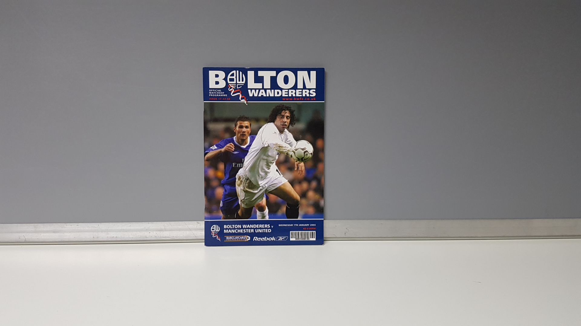 1 X MANCHESTER UNITED AWAY PROGRAMME FROM THE 2004 SEASON TO INCLUDE - MANCHESTER UNITED VS BOLTON