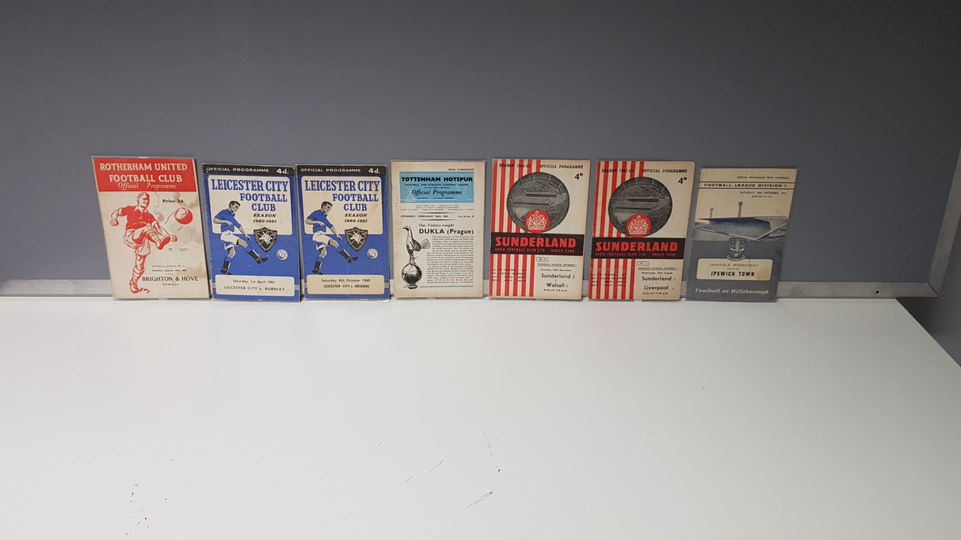 7 X OTHER CLUB PROGRAMMES IN VERY GOOD CONDITION TO INCLUDE - SHEFFIELD WED VS IPSWICH TOWN 30TH