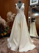 1 X (WTOO) ELEGANT IVORY WEDDING DRESS COLOUR - IVORY SIZE - 10