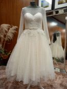 1 X (LOULOUBRIDALWEAR) WEDDING DRESS STYLE - LB198 COLOUR - IVORY SIZE - UK10 RRP - £1,200