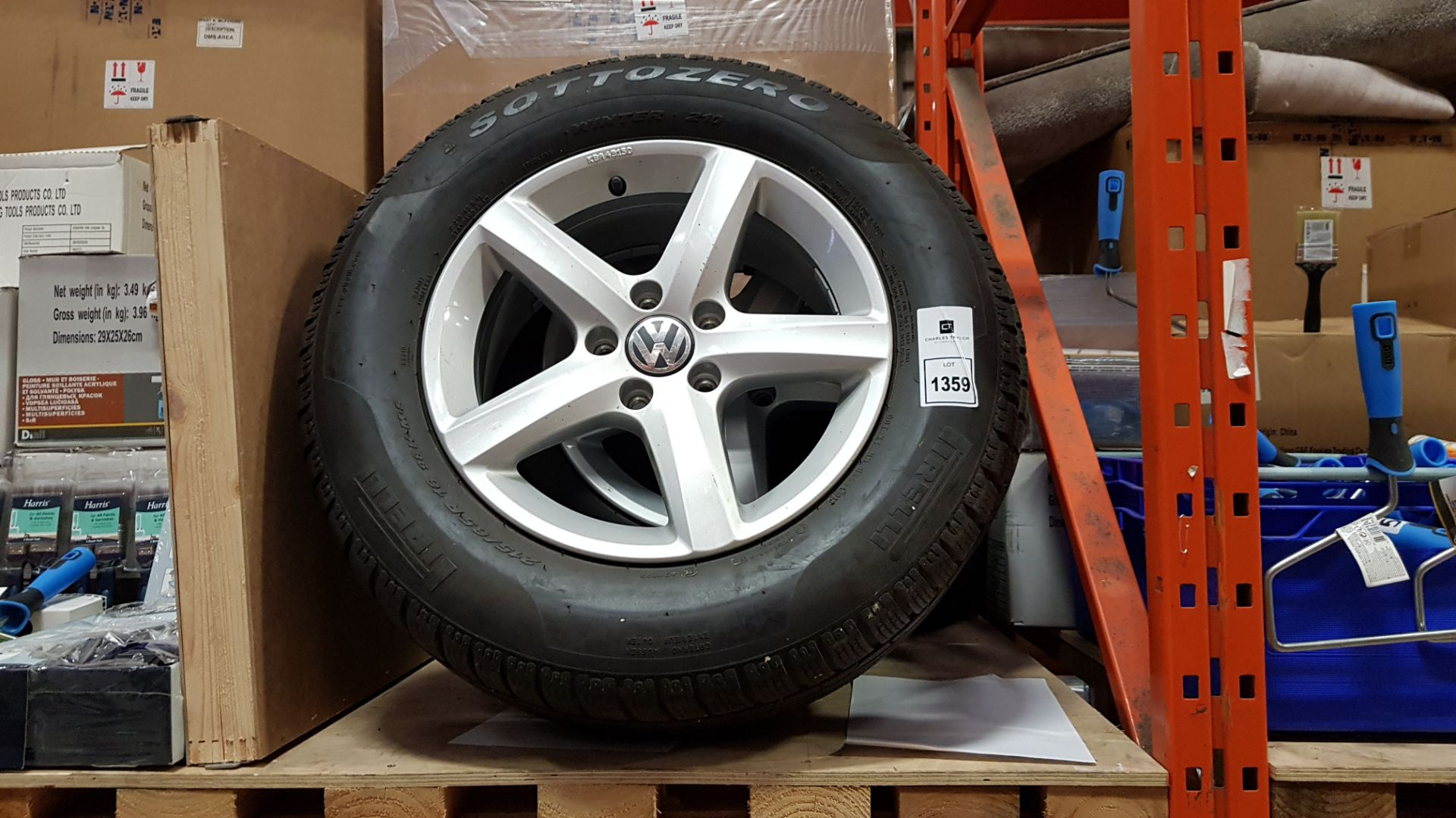 4 X MATCHING VW ALLOYS WITH PIRELLI TYRES - SIZE/215/65R 16 98H MS