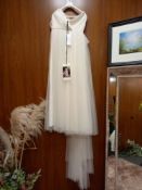 1 X (ZAC POSEN FOR WHITE TALLULAH) WEDDING DRESS MODEL - TALLULAH OFW TUL MORBIDO COLOUR - OFF WHITE