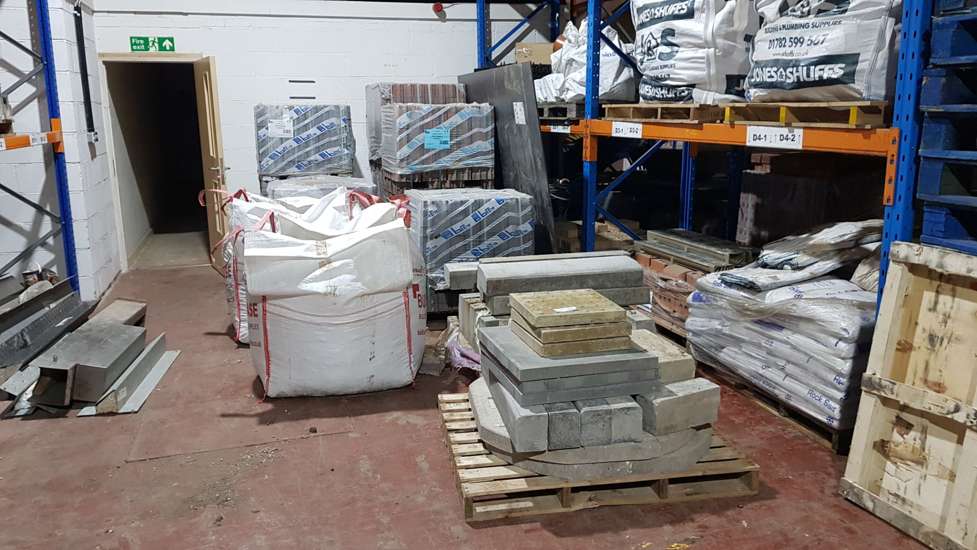 12 X PALLETS OF VARIOUS BUILDING PRODUCTS TO INCLUDE - M.O.T, FLAGS,BRAND NEW (715X115X60 PAVING