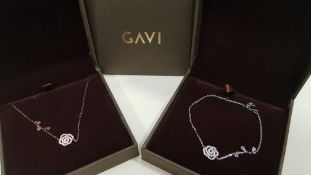20 X ASSORTED BRAND NEW BOXED GAVI LOT CONTAINING SILVER COLOURED BRACELET WITH PENDANT AND NECKLACE