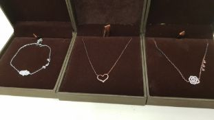 18 X ASSORTED BRAND NEW GAVI LOT CONTAINING NECKLACE WITH HEART PENDANT, SILVER COLOURED BRACELET