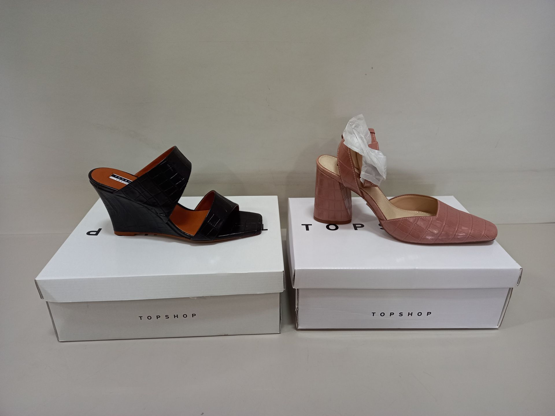 9 X BRAND NEW TOPSHOP SHOES - 5 X GAZE PIN SHOES UK SIZE 7 RRP £39.00 AND 4 X RELLIK BLACK UK SIZE 5
