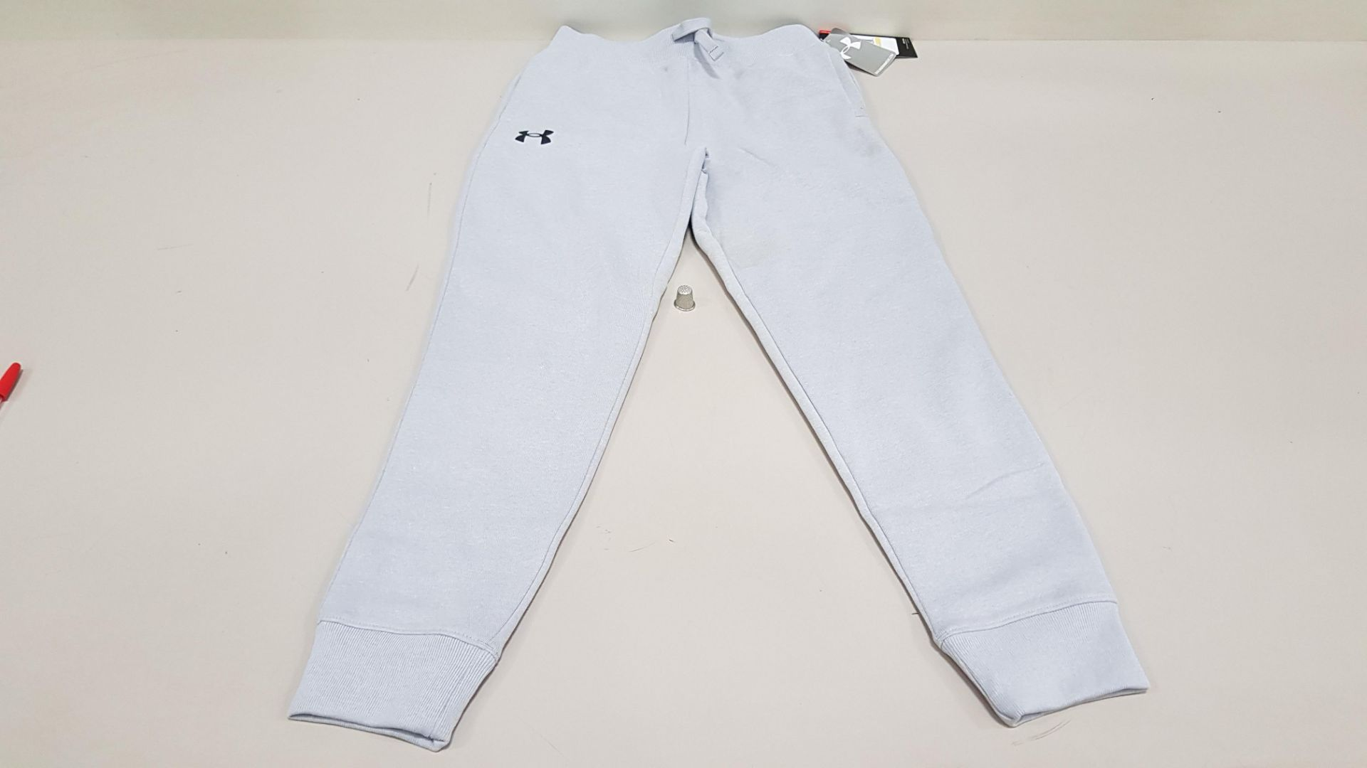 10 X BRAND NEW UNDER ARMOUR BOYS UNDER ARMOUR PANTS SIZE YXL/TG/EG