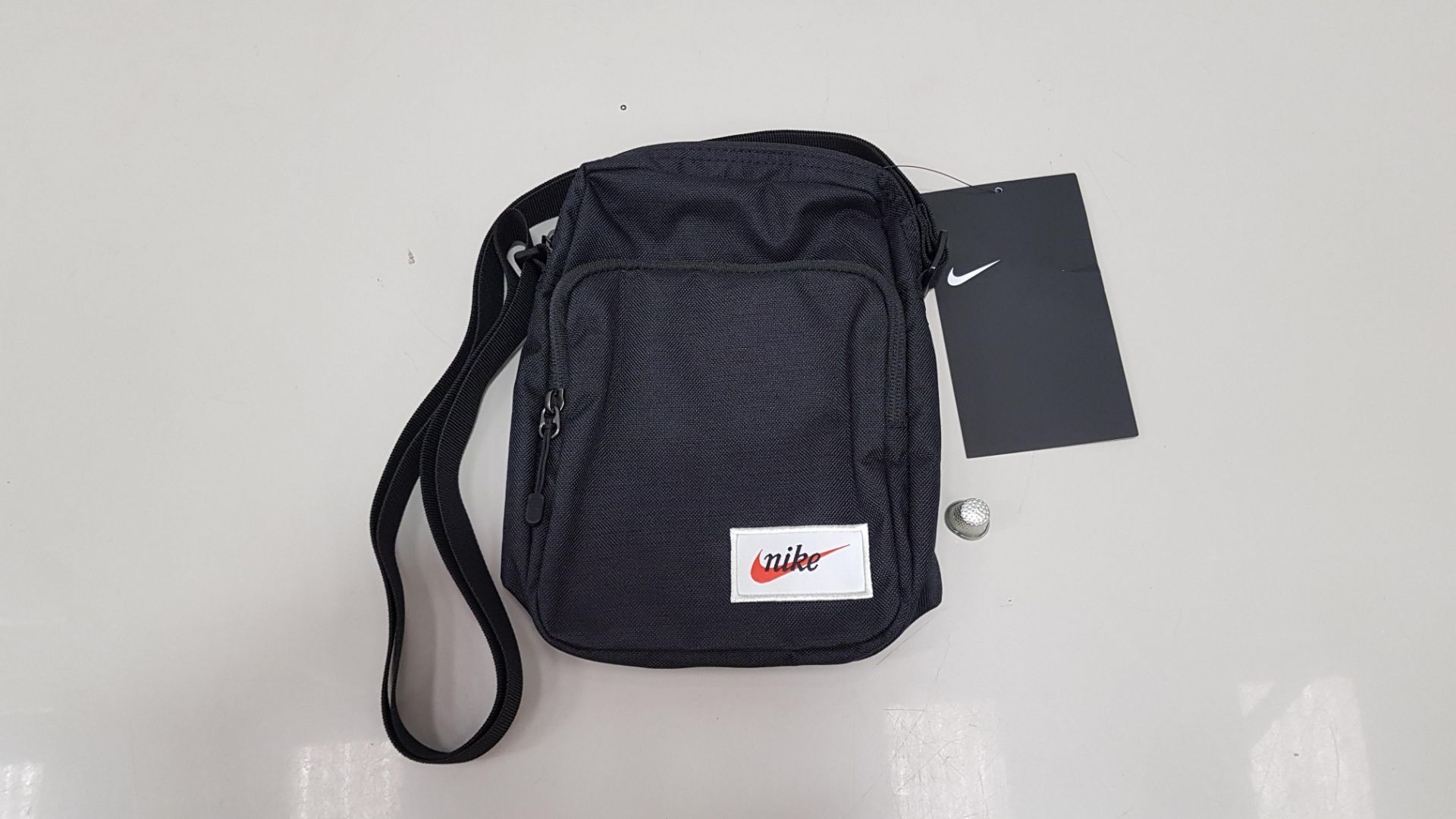 22 X BRAND NEW NIKE SHOULDER BAGS