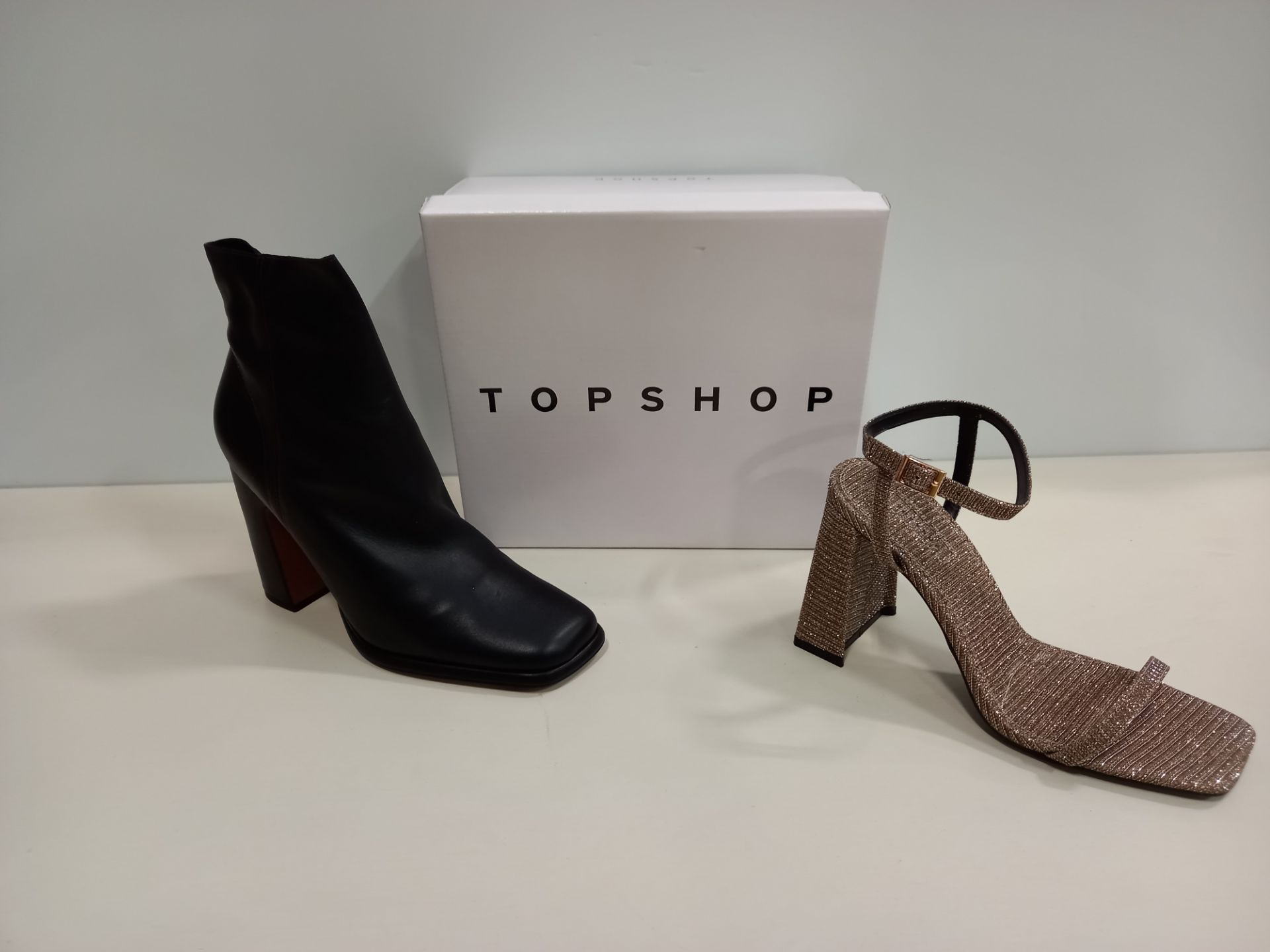 14 X BRAND NEW TOPSHOP SHOES IE ROCCO GOLD SHOES UK SIZE 7 RRP £39.00, HOLDEN BLACK SHOES UK SIZE
