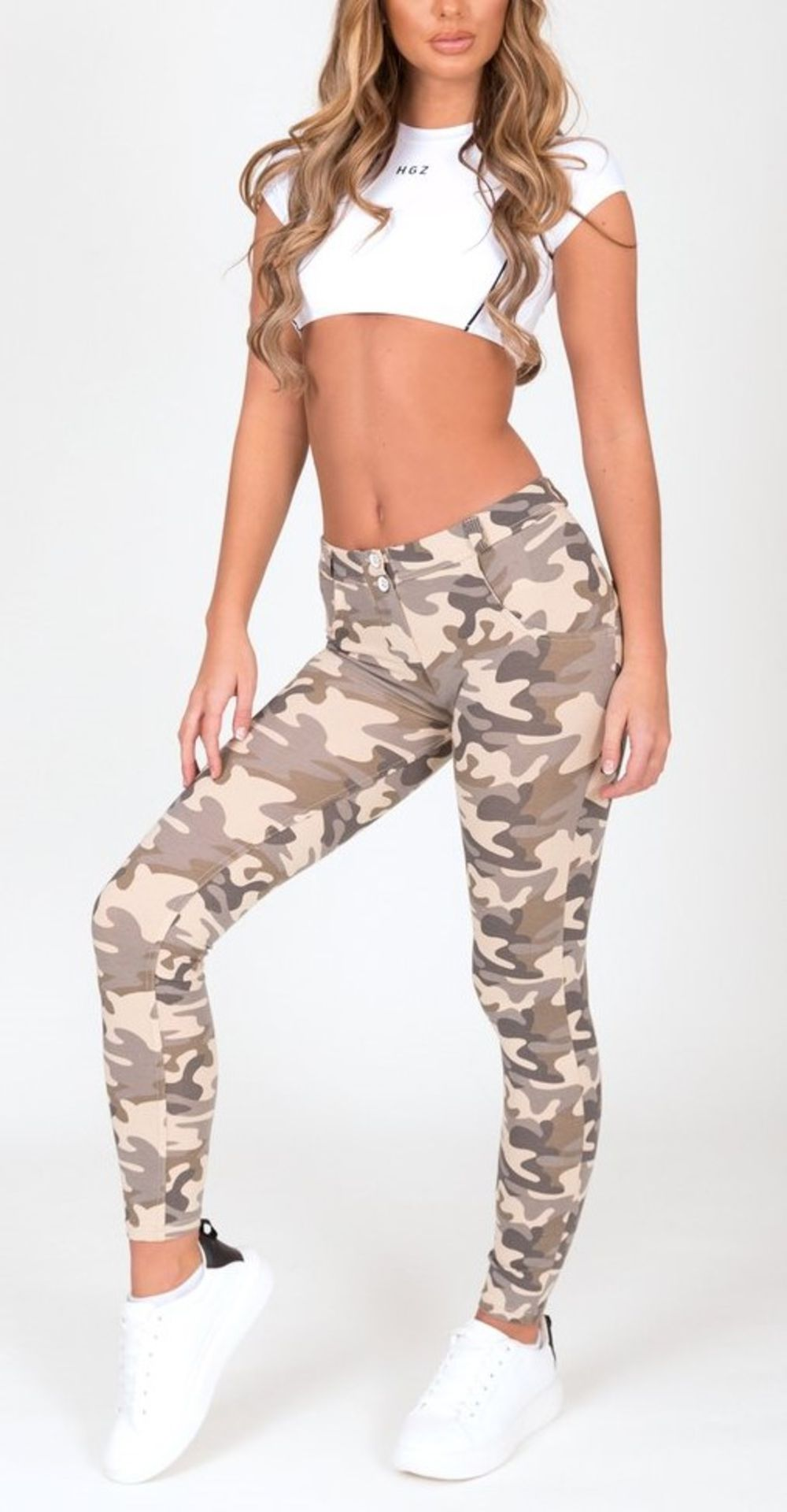 11 X BRAND NEW HUGZ JEANS DESIGNER BRANDED CAMO LIGHT COL JEGGINGS LOW WAIST SIZES 8 - S (4) & 6 -