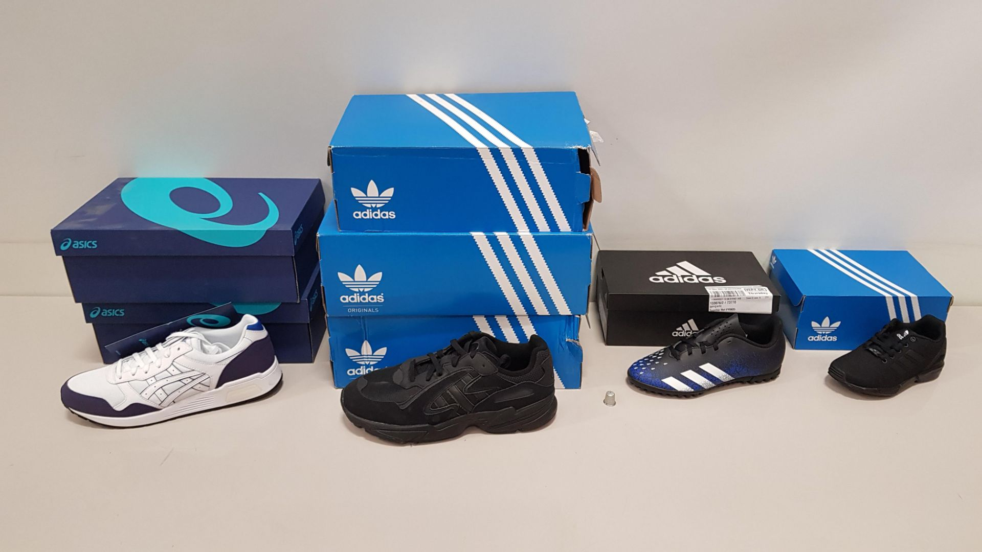 7 PIECE SHOE LOT CONTAINING 2 X ASICS LYTE TRAINERS UK SIZE 9, 3 X ADIDAS YUNG 96 CHASM TRAINERS