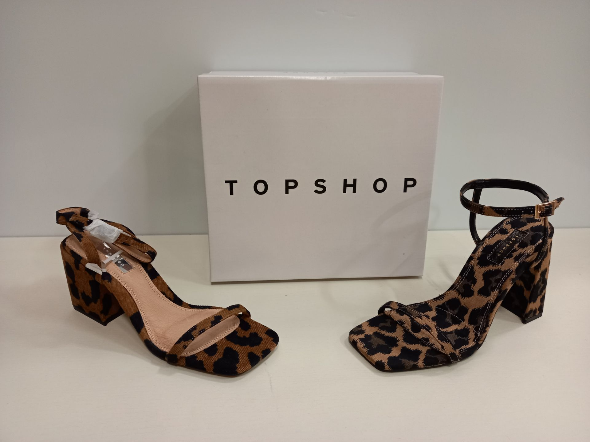 14 X BRAND NEW TOPSHOP SHOES - 13 X NORA TRUE LEOPARD SHOES UK SIZE 5 RRP £39.00 AND 1 X ROCCO
