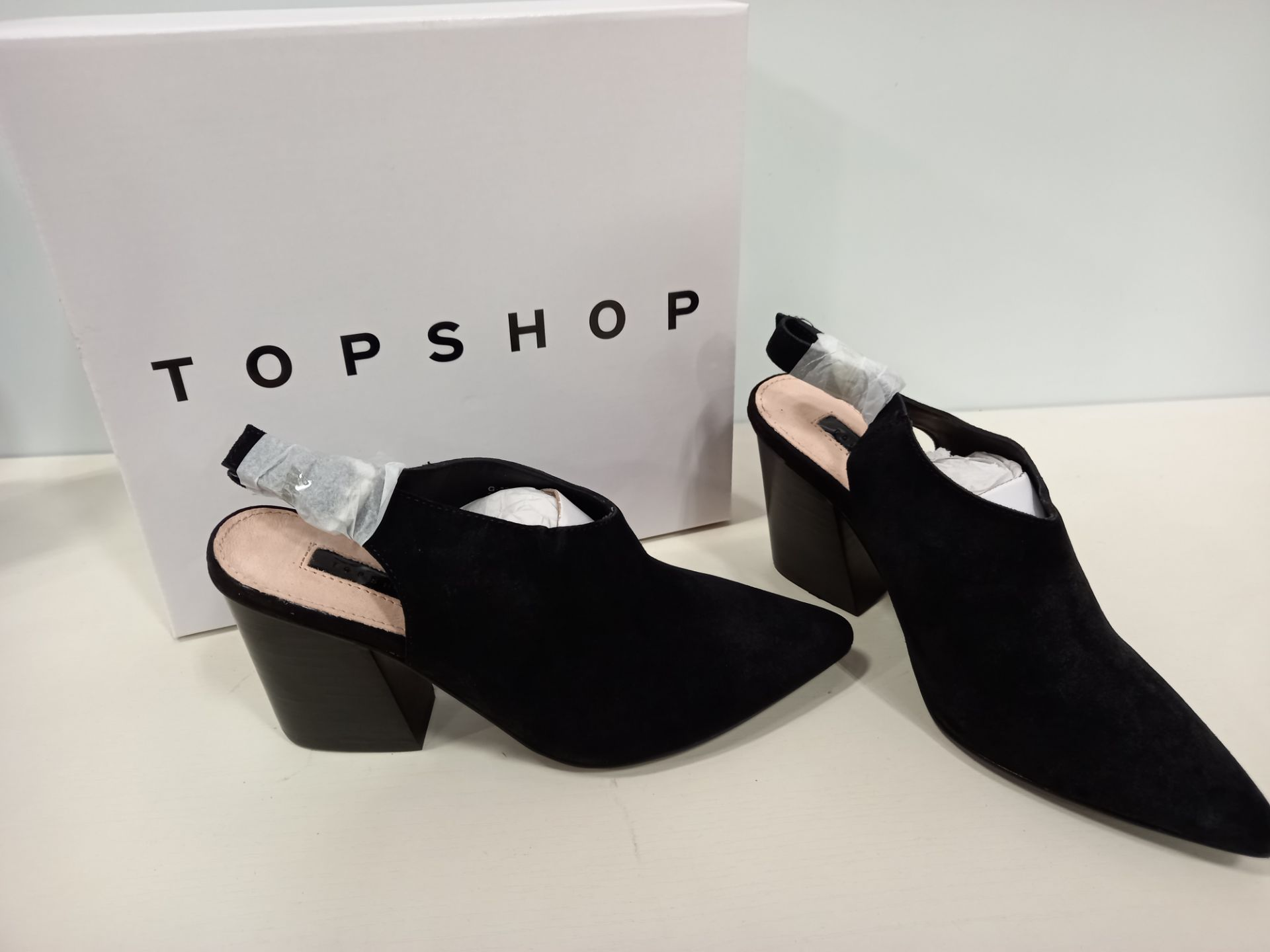 15 X BRAND NEW TOPSHOP GOJI BLACK SHOES UK SIZE 7, 3 AND 5 RRP £46.00 (TOTAL RRP £690.00)