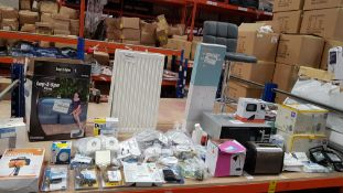FULL BAY CONTAINING LARGE QUANTITY ASSORTED RETURNS LOT CONTAINING RADIATOR, BAR STOOL, KITCHEN