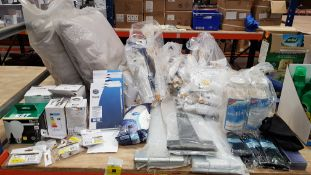 LARGE QUANTITY ASSORTED LOT CONTAINING EZI-MELT, DIALL LED BULBS, DIALL ACCESSORIES, HARRIS