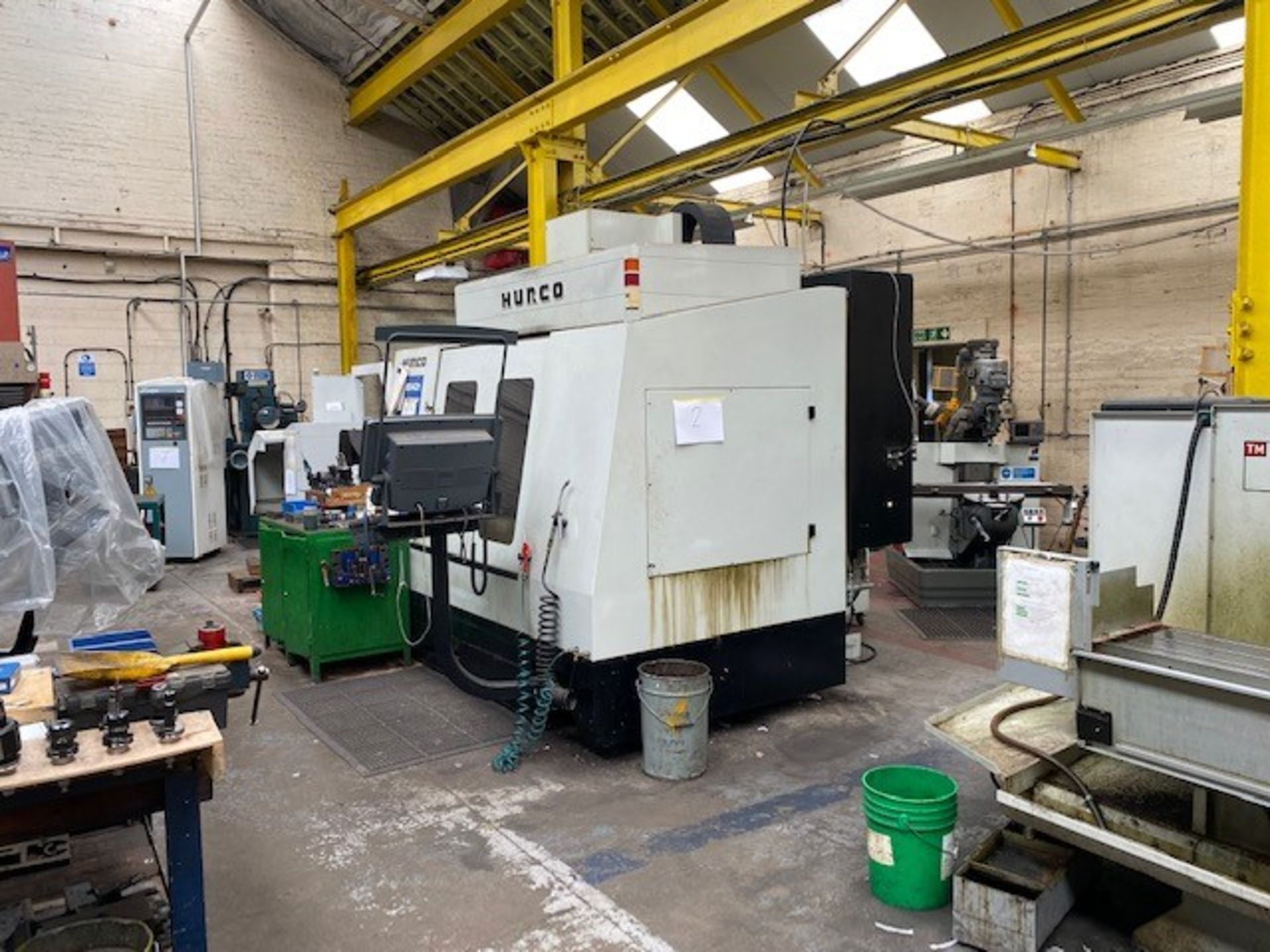 HURCO VMX42T VERTICAL MACHINING CENTRE WITH HURCO ULTIMAX CONTROL UNIT AND WASTE AUGER DOM 22/09/ - Image 3 of 4