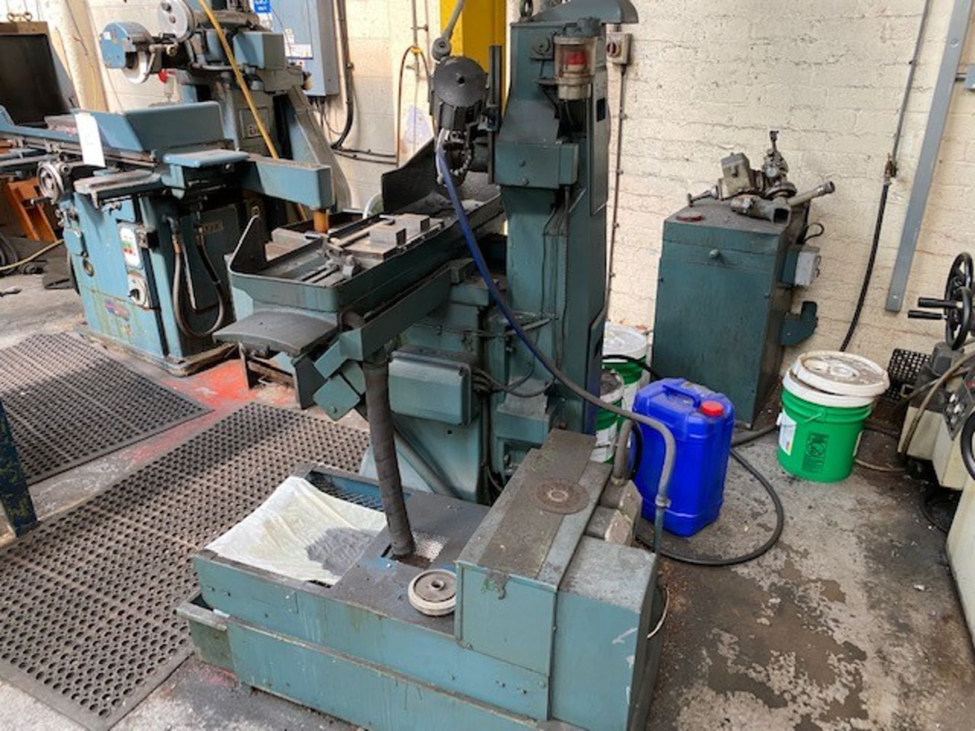 JONES AND SHIPMAN HORIZONTAL SURFACE GRINDING MACHINE WITH MAGNETIC BED MODEL: 540 - Image 2 of 2