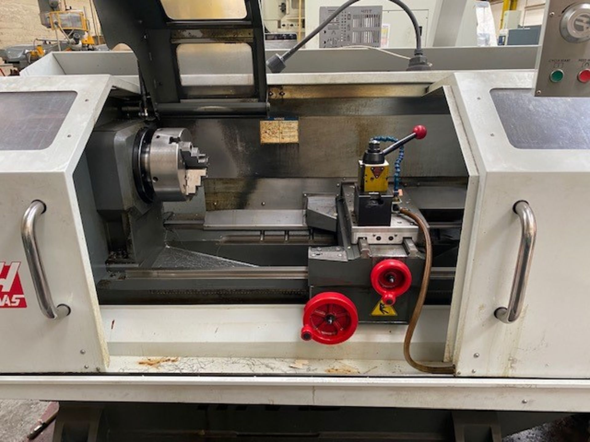 HASS ENCLOSED 2-AXIS CNC TOOLROOM LATHE WITH HASS CONTROLLER MODEL: TL-2 SERIAL NO: 3089388 DMF: - Image 4 of 5