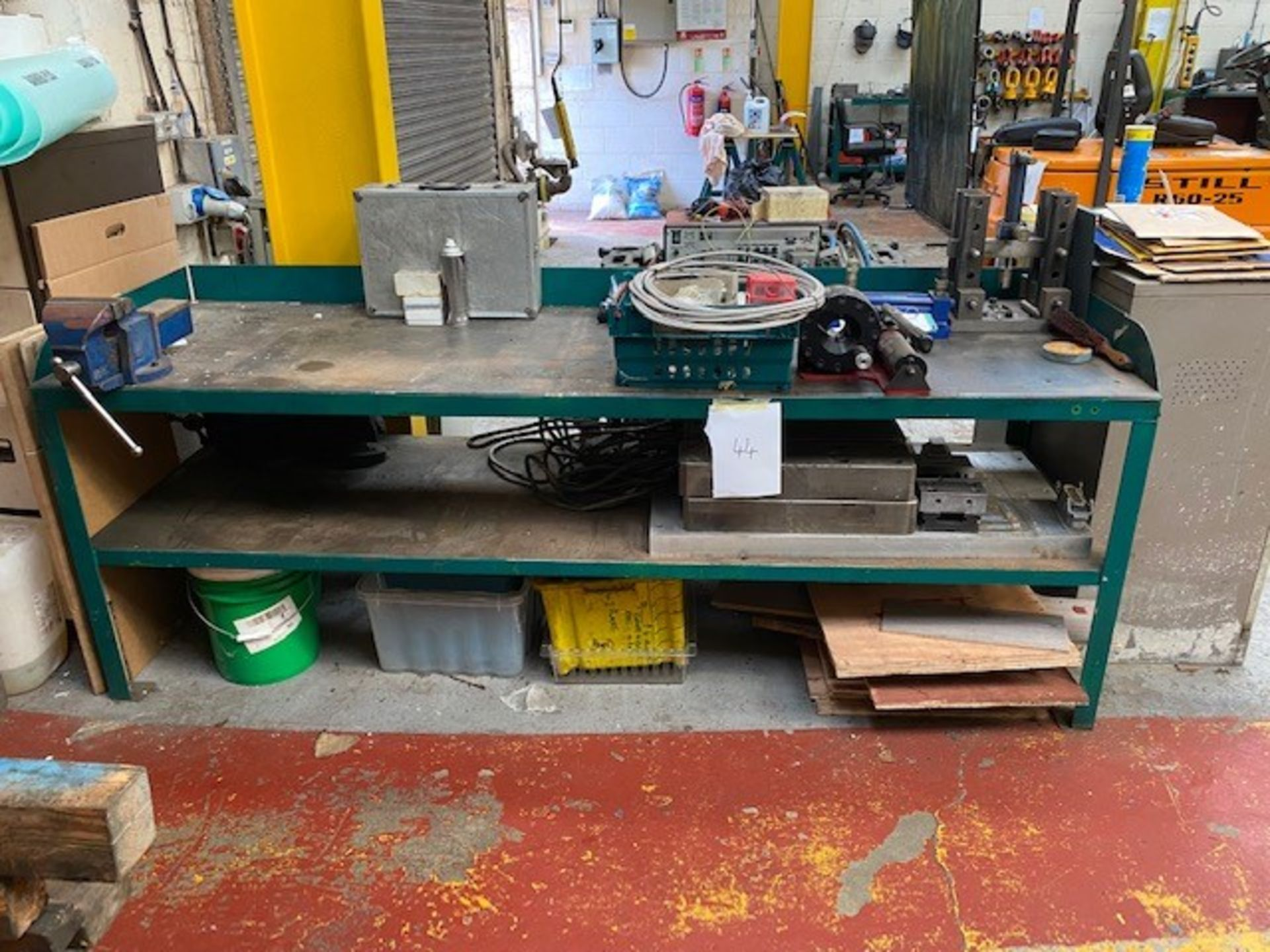 LARGE METAL WORK BENCH WITH VICE & UNDERSHELF AND BANNER BS10 SWAGING MACHINE FOR HOSES