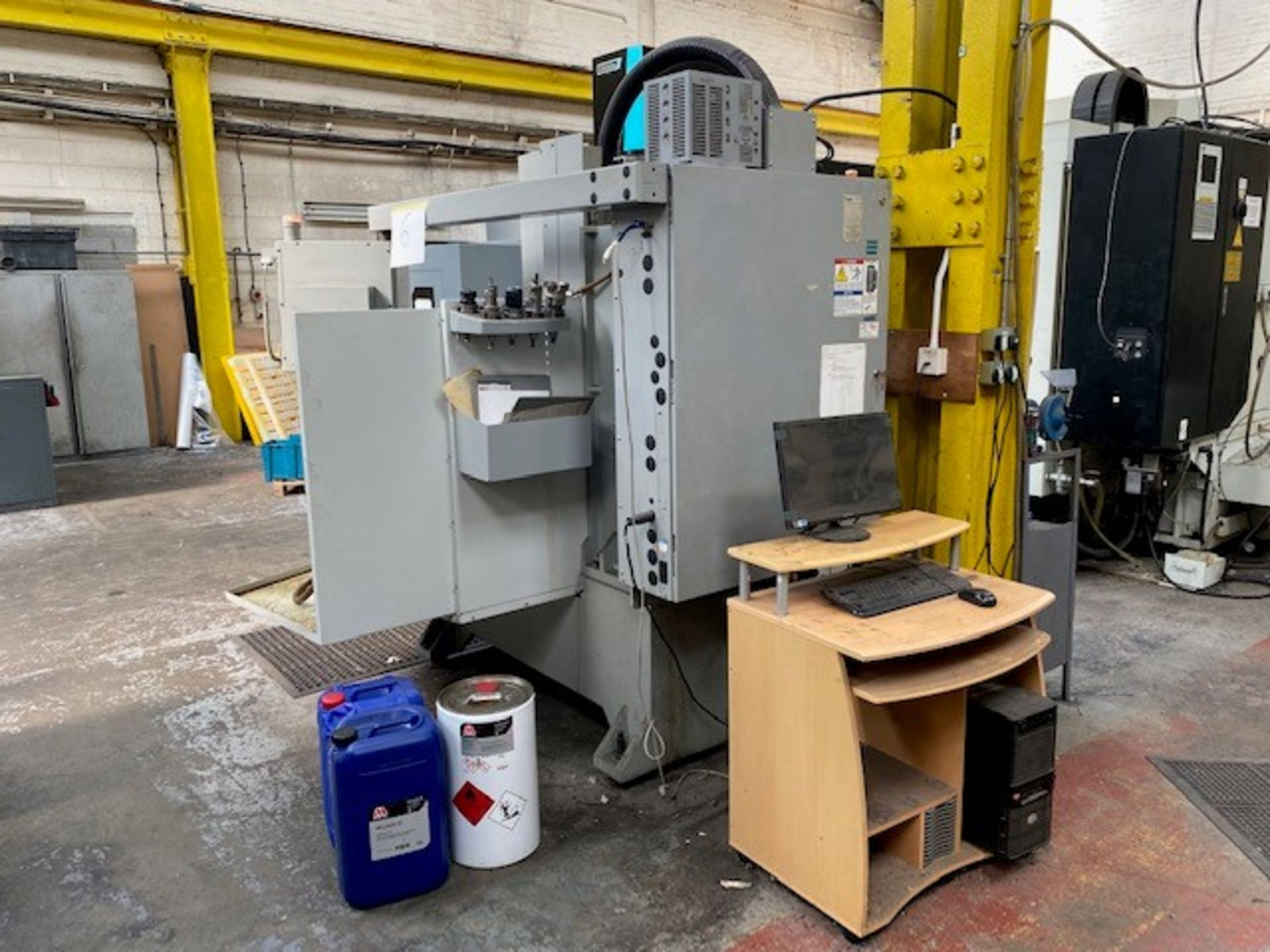 HASS CNC VERTICAL MACHINING CENTRE MODEL: TM-3CE SERIAL No: 1069469 DOM: 07/08 TO INCLUDE MANUALS - Image 5 of 5