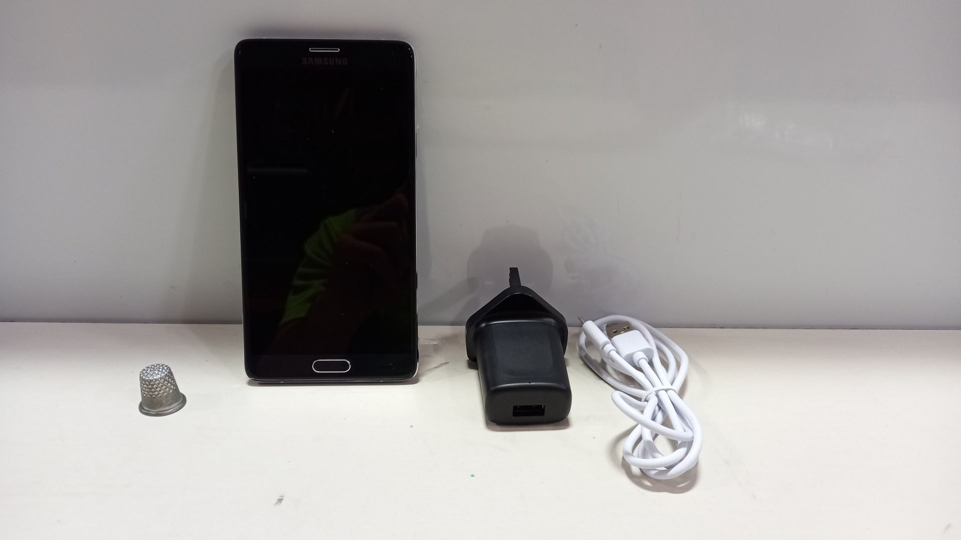 1 X SAMSUNG NOTE 4 PHONE LIVE DEMO UNIT - WITH CHARGER