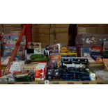 LARGE QUANTITY ASSORTED LOT CONTAINING PAYDAY BOARD GAME, SPIN THE BOTTLE GAME, MAGNIFYING GLASS,