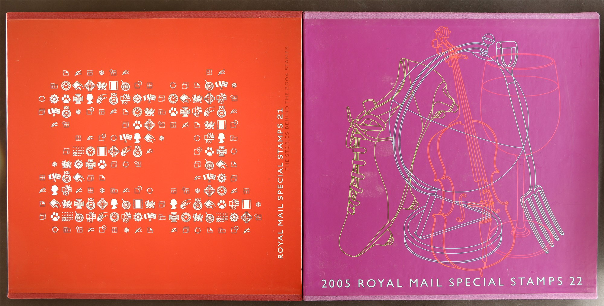GB.ELIZABETH II YEAR BOOKS 2002 - 2006. Complete run of 5 books from number 19 (2002) to number - Image 2 of 3